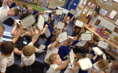 Last week we have been focussing on patterns, creating them using unifix cubes, ourselves, our bodies and using shapes.
