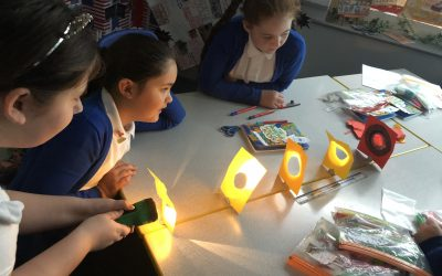 Science: Does light travel in straight lines?